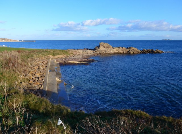 "Another ""No longer maintained"" bathing pool"