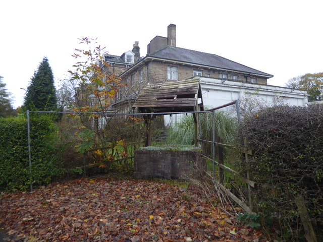 Derelict well at The Bedford, St John's Road, Buxton