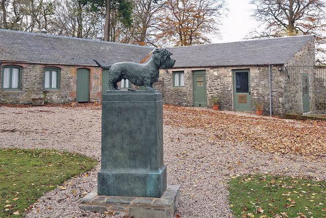 The Old Ginger statue at the Haining, Selkirk