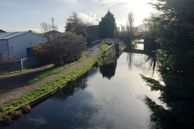 South on the Erewash Canal from the Fields Farm Road bridge, Long Eaton