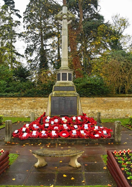 Thame War Memorial (2), Upper High Street, Thame, Oxon