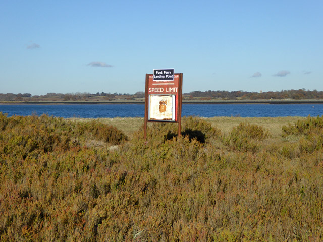 Foot ferry landing point / old speed limit sign, Mersea Stone