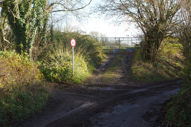 Lane east of Frogmore