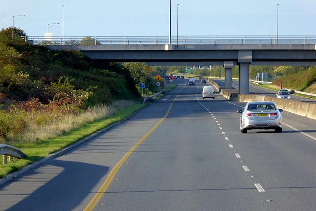 Northbound M3, Bridge at Junction 5