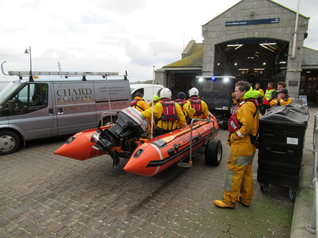 St Ives Lifeboat Crew Back on Land
