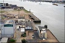 TQ3980 : By the River Thames by N Chadwick