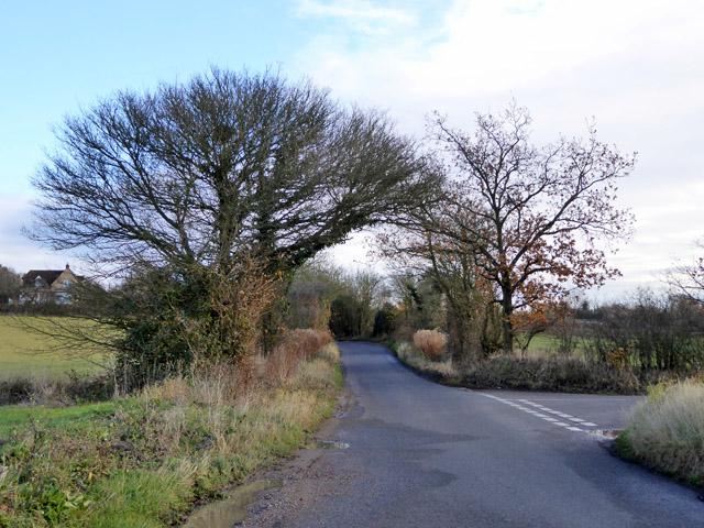Road junction, Layer Breton