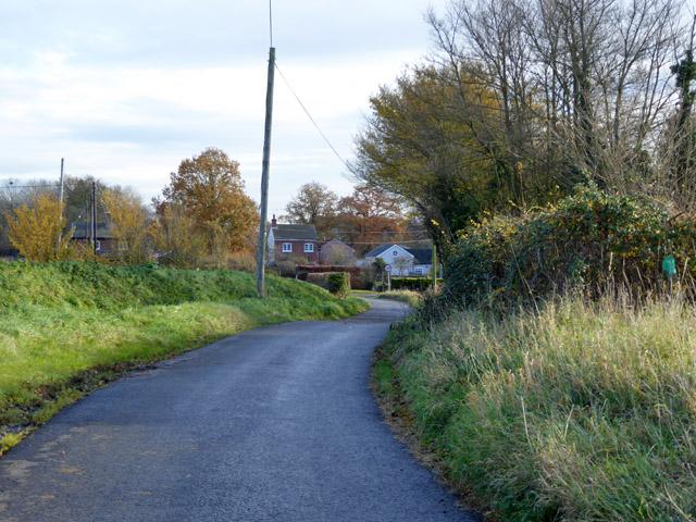 Lower Road, Layer Breton