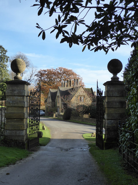 Rear entrance to Batsford Arboretum