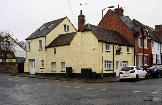 The former Two Brewers (1), 50 North Street, Thame, Oxon