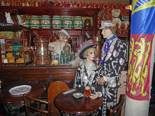 Bygones Museum, Babbacombe - pearly king and queen in the pub