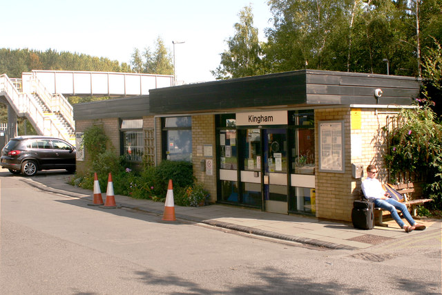 Kingham station - forecourt and frontage
