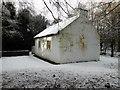 H4379 : Schoolhouse, Ulster American Folk Park (side) by Kenneth  Allen