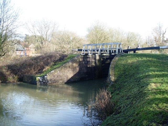 Caen Hill Locks [2]