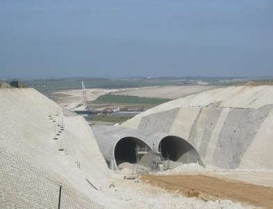 TL2532 : Baldock bypass tunnel in the chalk hills of Weston by Paul Dixon