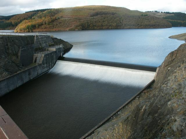 Dam on Llyn Brianne reservoir
