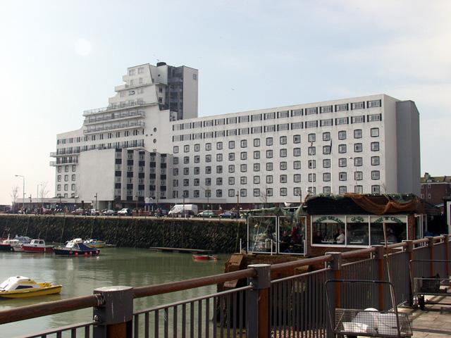 Burstin Hotel, Folkestone Harbour