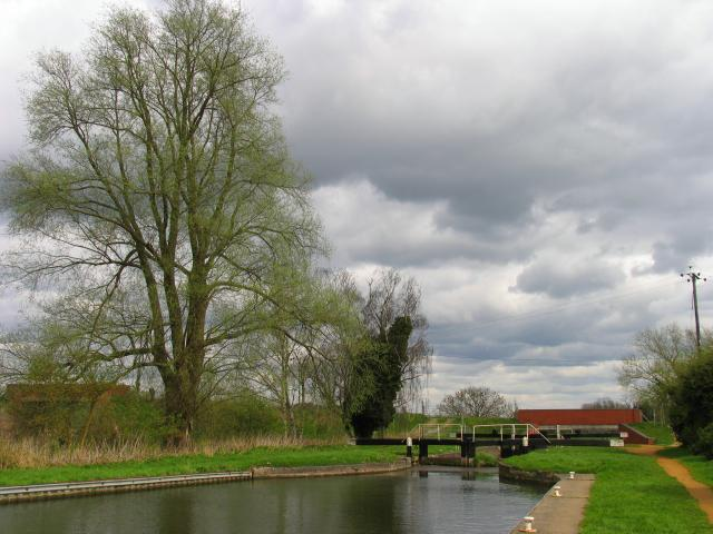 Midgham Lock: Kennet and Avon Canal West Berks