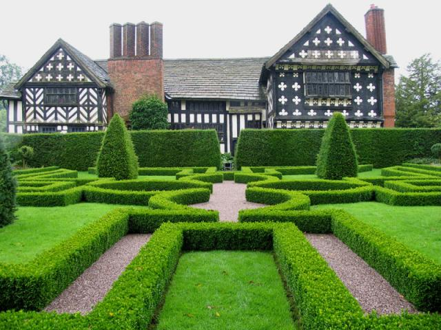 Knot Garden at Little Moreton Hall: Cheshire
