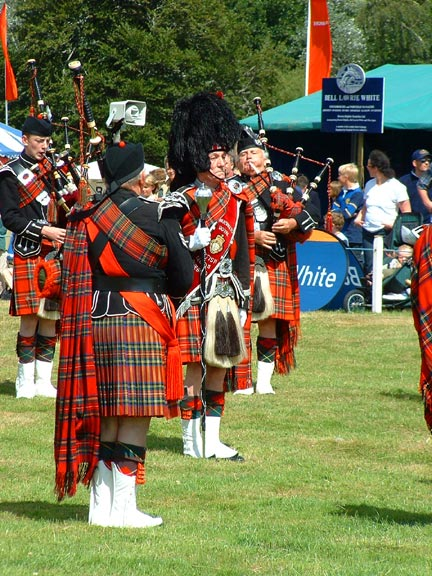 Pipers at Moy Fair