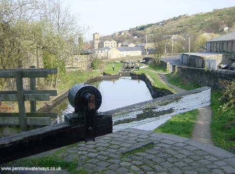 Huddersfield Canal at Milnsbridge