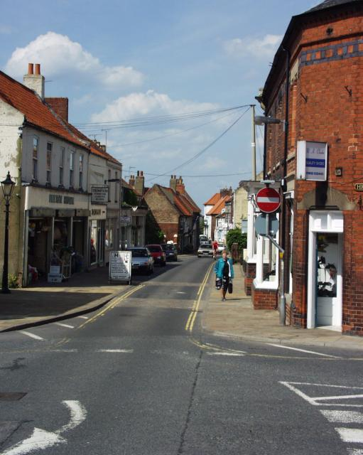 View S down Fleetgate, Barton on Humber