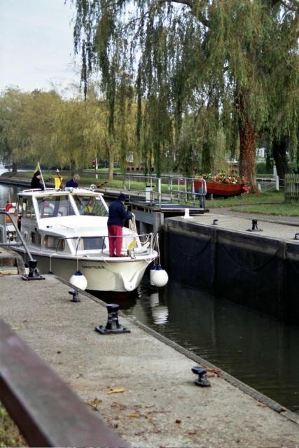 Shiplake Lock