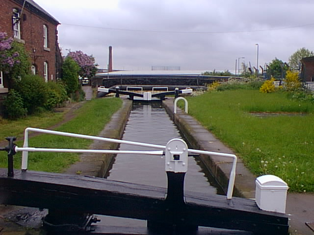 Perry Barr Bottom Flight, Top Lock