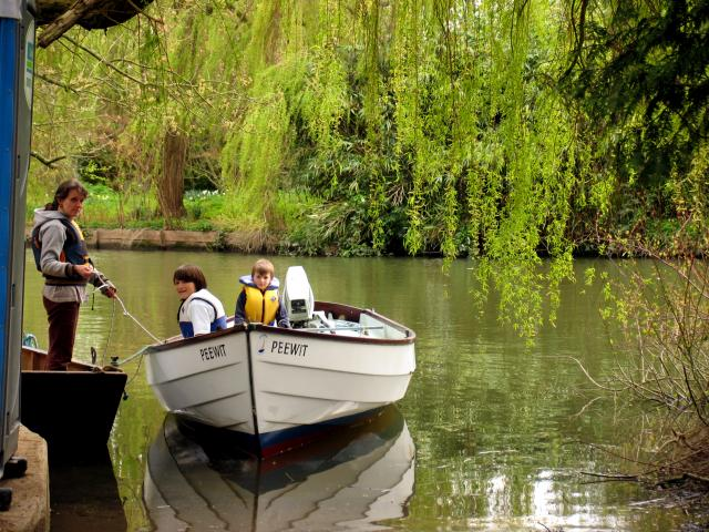 Boating at Whitchurch-on-Thames