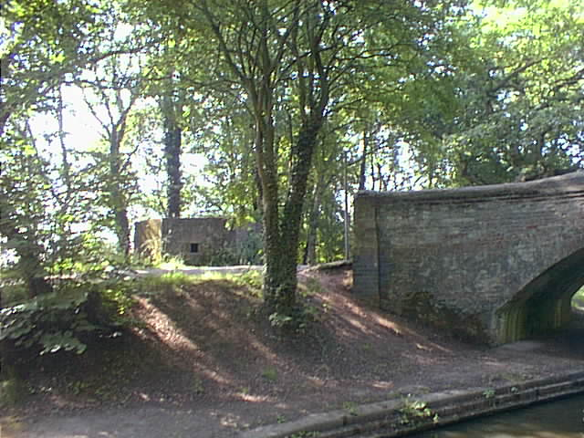 Hopwas School Bridge, Coventry Canal