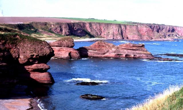 Carlingheugh Bay