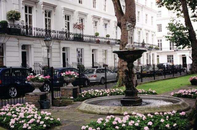Wellington Square, Chelsea, London