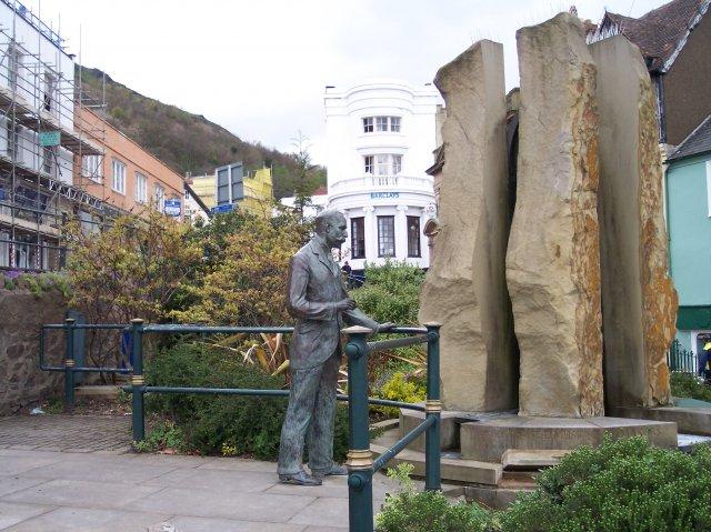 Sir Edward Elgar and the Enigma Fountain