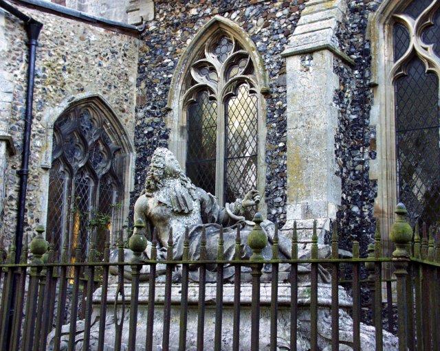 Stonham Aspal churchyard