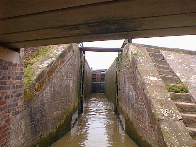 Cholmondeston Lock