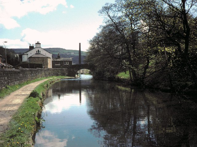 The Rochdale Canal at Hebble End