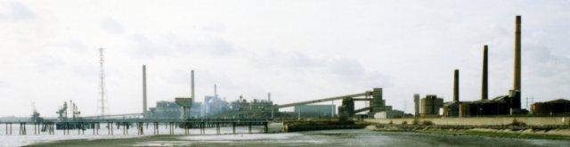 Thamesside Piers Factories & Pylons