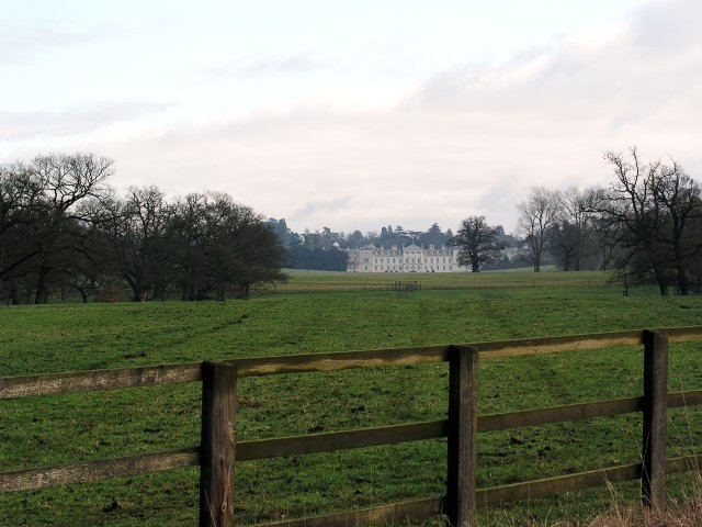 Looking E across SP9532 to Woburn Abbey