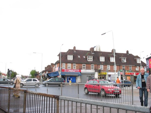 Junction of Lordship Lane and The Roundway (West Arm), London N22