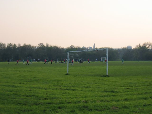 Newbold Comyn playing fields