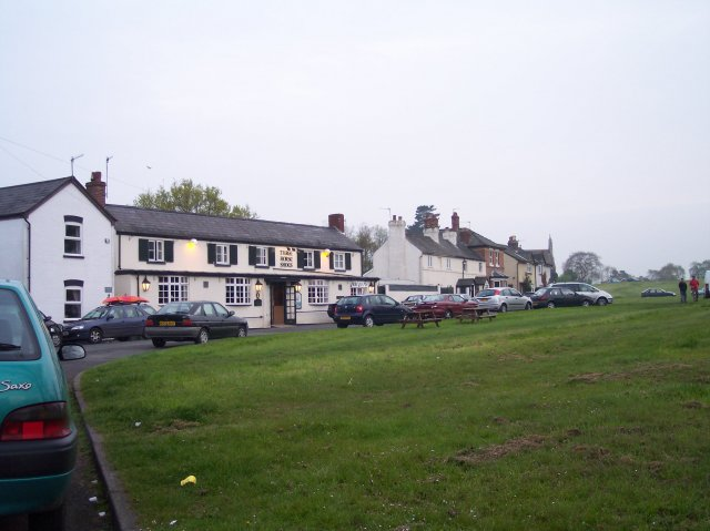 Poolbrook Common and The Three Horseshoes