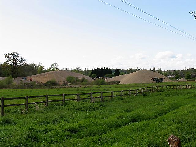 Gravel Heaps at Grundon Mines: Padworth
