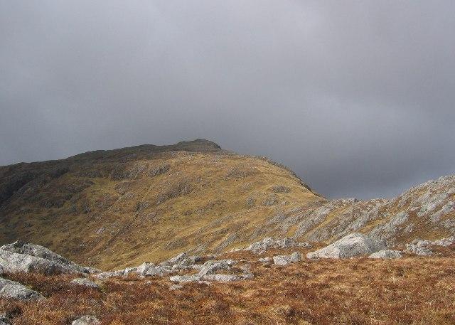 Beinn na h-Uamha, East ridge