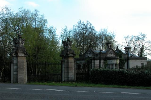 Old entrance lodge, Benham Park.
