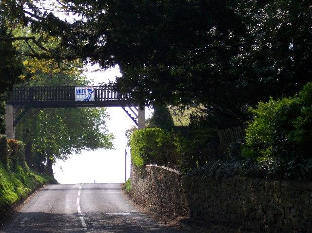 Footbridge over the road, Barton Court