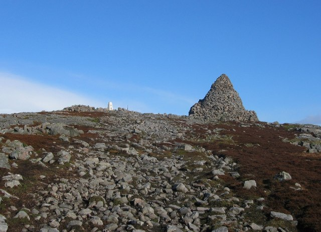 Cairn Table Summit