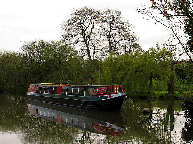 Horse drawn barge: Kintbury