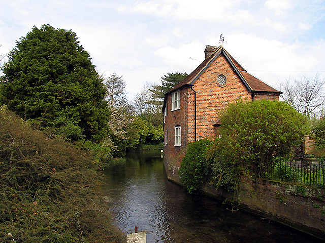 Cottage on River: Hungerford
