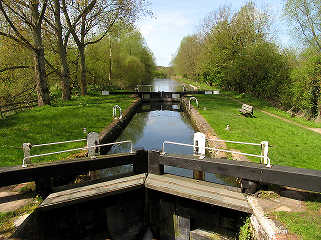 Hamstead Lock at Marsh Benham