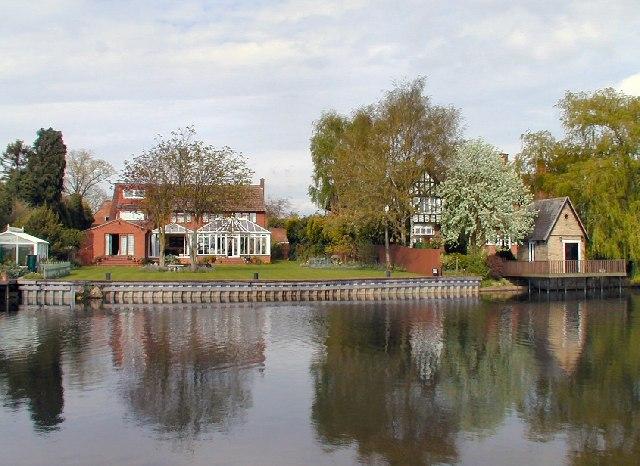 Riverside Houses at Normanton on Soar
